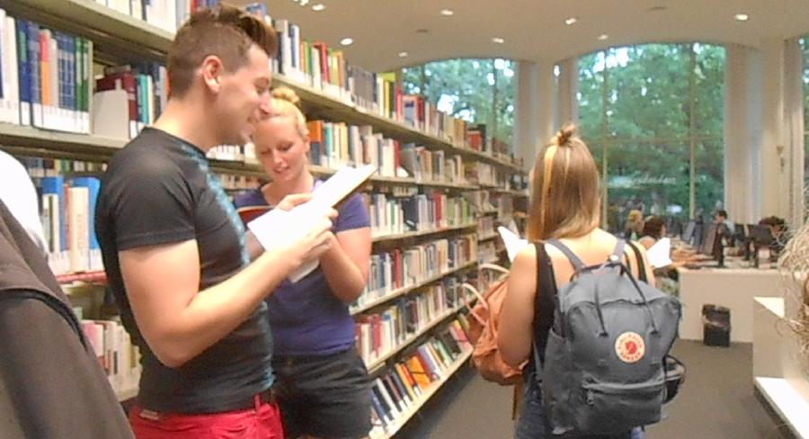 In dieser Bibliothek lesen Menschen laut, 2016 - Marine Kaiser